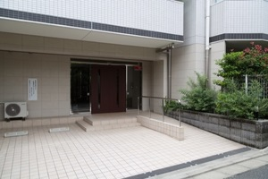 アイディーコート江古田のエントランス