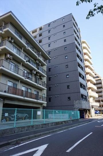 ガラシティ横浜西口の外観