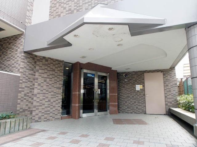 レクセルマンション西新井のエントランス
