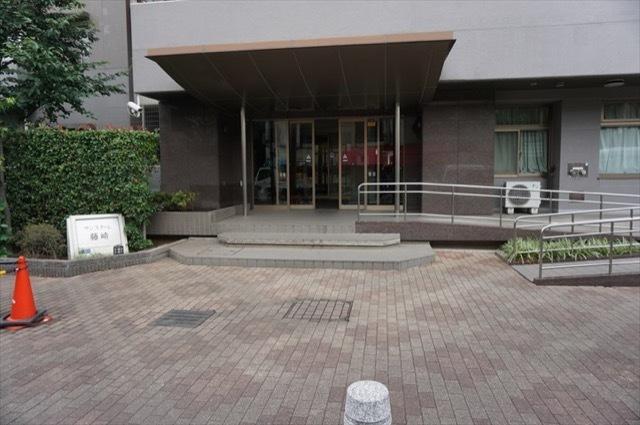 サンスターレ藤崎のエントランス