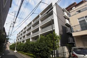 グローリオ小石川安藤坂の外観