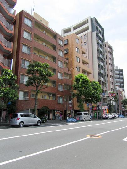 西早稲田マンションの外観
