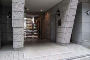 パレステュディオ渋谷ウエストのエントランス