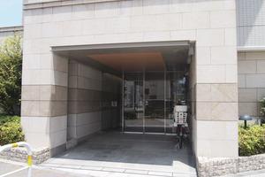 コスモ平井パークサイドアベニューのエントランス