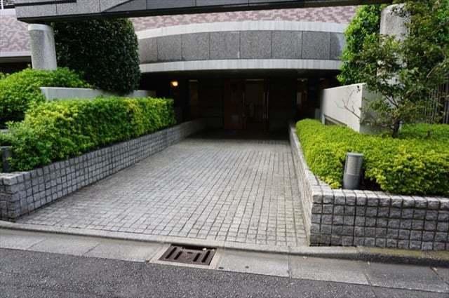 クレッセント新川崎4のエントランス
