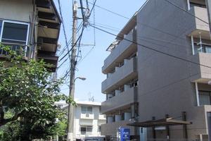 メインステージ中井駅前の外観