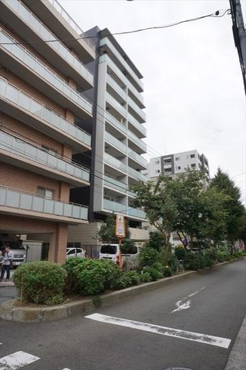 クリオ横浜大通り公園ウエストの外観