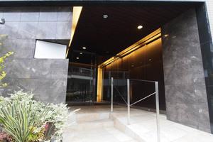 オープンレジデンシア小石川のエントランス