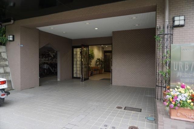 ナイスアーバン井土ヶ谷弐番館のエントランス
