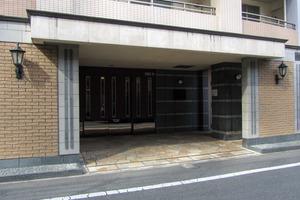 ペイサージュ渋谷ファーストのエントランス