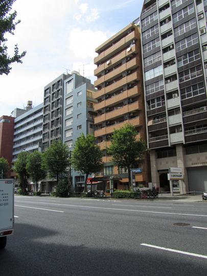 ニューライフ新宿参番館の外観