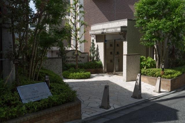 グローベル東高円寺レスティアーナのエントランス
