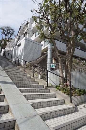 ニックアーバンハイム東寺尾中台(A棟・B棟)の外観