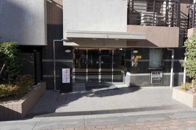 ダイアパレスベラーク新横浜のエントランス