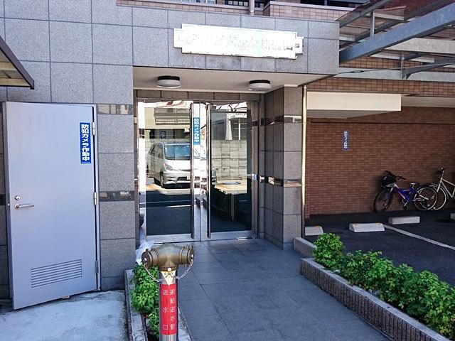 グランイーグル新蒲田のエントランス