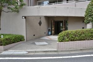平井ガーデンハウスのエントランス