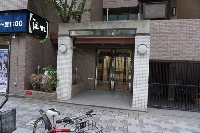 ナイスアーバン川崎駅前通りのエントランス