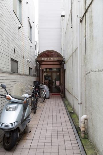 高円寺サニーマンションのエントランス