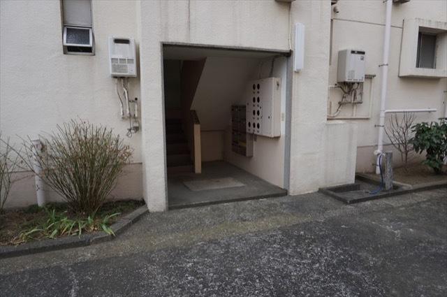 産業住宅協会北軽井沢アパートのエントランス