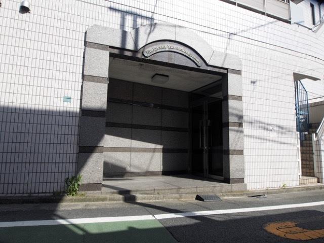 エミグラント南長崎のエントランス