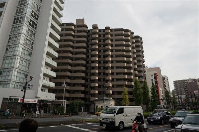 バームステージ三田の外観