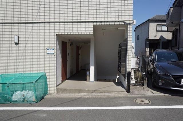 フレンドポート横浜第10のエントランス