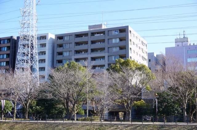 菱和パレス新横浜駅前公園の外観
