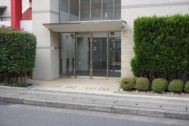 パルミナード武蔵新城3番館のエントランス