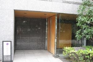 神宮前シティハウス(渋谷区)のエントランス