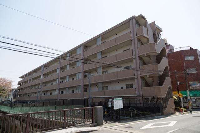 コニファーコート武蔵関弐番館リバーフロントの外観