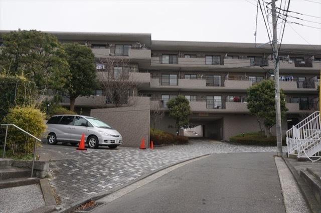 横浜山手パークホームズの外観