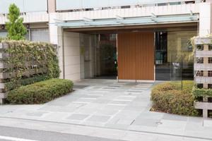 ザパームス世田谷桜のエントランス