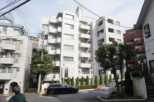 ソフトタウン赤坂の外観