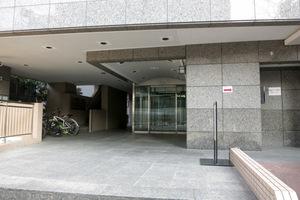 東急ドエルアルス笹塚のエントランス