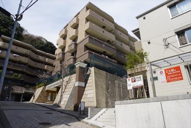 日神パレステージ磯子の森(1〜7番館)の外観