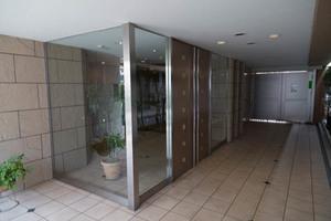 アルス玉川台エレグラントのエントランス