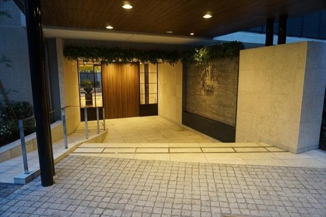 ブランズ文京護国寺のエントランス
