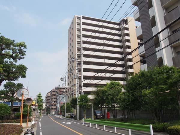 東京ラクラシアの外観