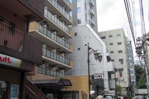 ライオンズマンション新宿5丁目の外観