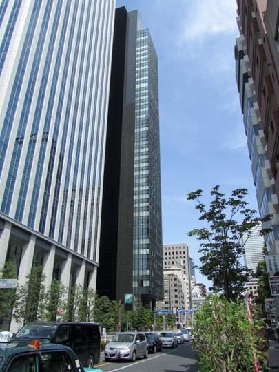 ラトゥール新宿グランドの外観