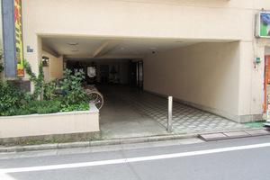 マンション西新宿のエントランス
