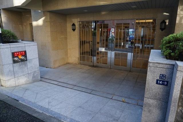 パレステュディオ虎ノ門のエントランス