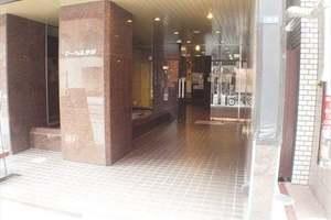ストークビル赤坂のエントランス