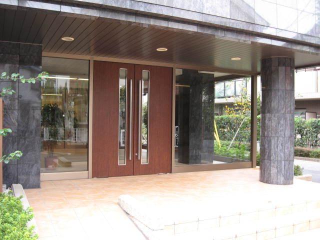 レクセルマンション笹塚のエントランス