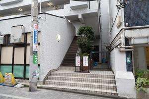 ルピナス荻窪カワヨマンションのエントランス