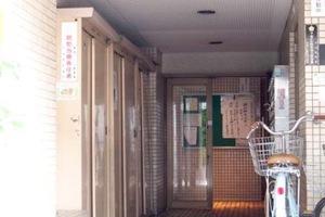 シティマンション上野のエントランス