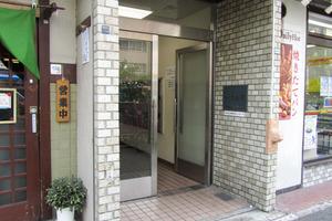 カーサ新宿のエントランス