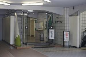 三田シャスターマンションのエントランス