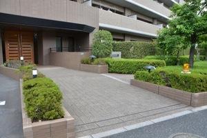 コスモ平井パークビューのエントランス
