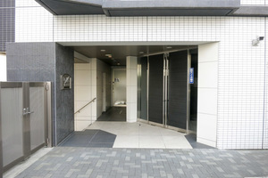 プレールドゥーク渋谷初台のエントランス